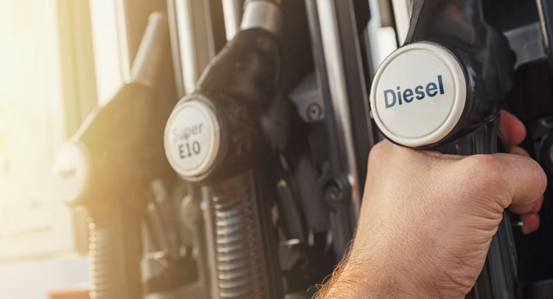 gas, station, fuel, hand, car, tank, filling, gasoline, oil, petrol, pump, fill, service, economy, petroleum, holding, energy, refueling, travel, vehicle, refuel, diesel, transport, nozzle, automobile, pollution, benzine, industry, transportation, fueling, green, costs, auto, environment, business, closeup, refill, gas station, price, human, ethanol, sunbeams, pistol, man, opec, sun, fill up, climate change, environmentally friendly